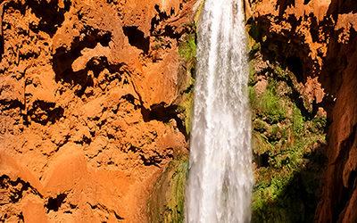 Hiking Mooney Falls